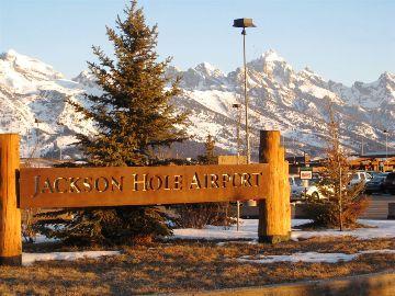 Jackson Hole Airport >> Jackson Hole Airport Extinguishes Equipment Fire Buckrail
